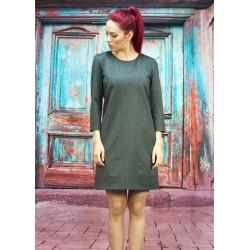 Вълнена права рокля от мек...