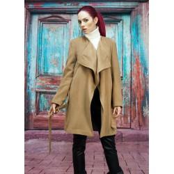 Вълнено палто в цвят камел
