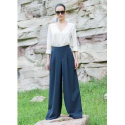 Дамски панталон в тъмно син...