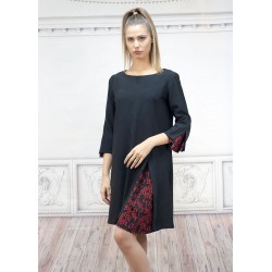 Черна рокля със свободен...